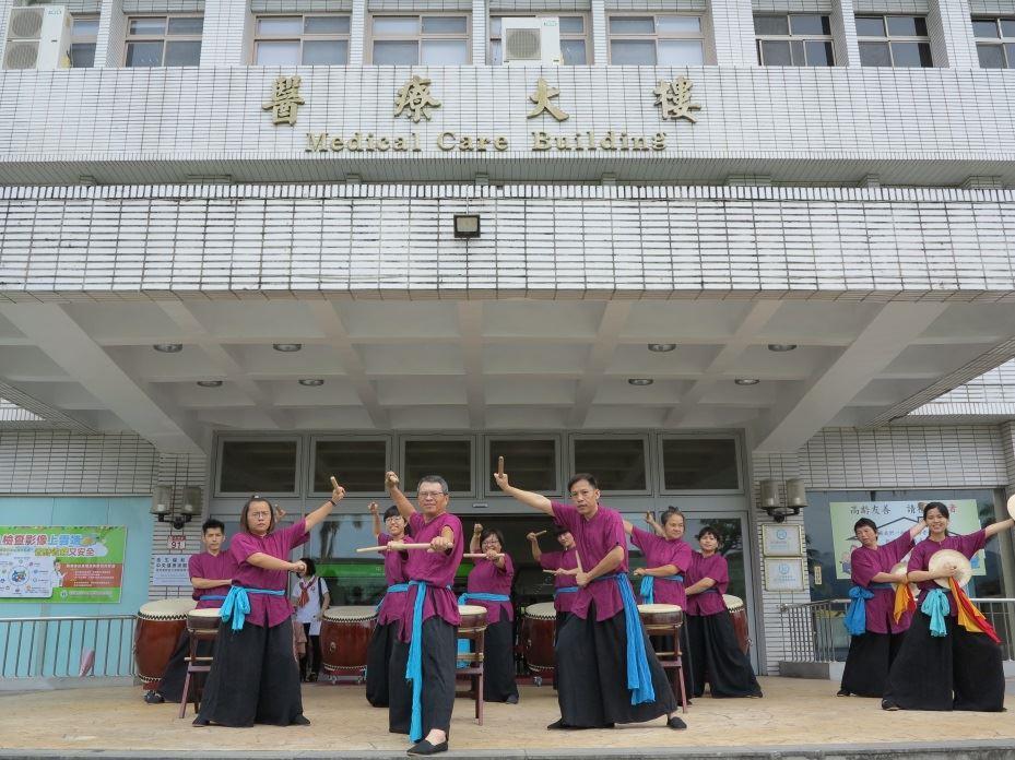 北榮玉里分院秀姑巒鼓隊於玉里聯絡辦公室開幕記者會開場表演